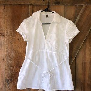Thyme Maternity shirt white size L